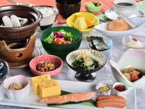 梓水苑のおいしい朝定食(※人数によりバイキングとなります)