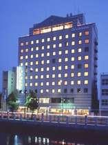 ホテル全景 夜景