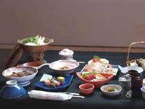 【会席料理一例】自家栽培の有機野菜はもちろん、旬の食材を使ったお料理をどうぞ