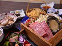 """*お夕食一例/ちょっと贅沢な休日にはこちらのお料理で。""""アワビと国産牛の蒸籠蒸し""""をご堪能下さい。"""