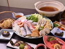 *お夕食一例(寄せ鍋)/旬のお野菜や新鮮な魚介類がたくさん入った寄せ鍋は絶品そのもの!
