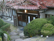 昭和古き良き時代の白鷺温泉宿 旅館白鷺館