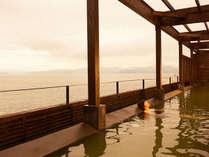 ★伊王島「島風の湯」 展望露天風呂:一面に広がる海と一体になれるような抜群の開放感!