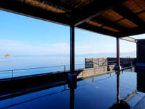 ★伊王島「島風の湯」 展望露天風呂:男女各横幅18mのお風呂から見える海!