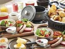 選べる朝食:洋食プレートとパンブッフェ