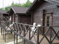 1棟貸切でご宿泊できる山小屋風キャビン。自然に囲まれてアウトドアを満喫