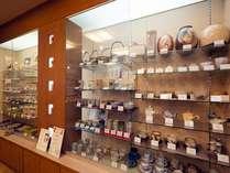 ■ギャラリー【萩焼】/湯呑み・飯椀・マグカップ・急須・皿・箸置など様々な萩焼を展示販売