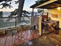 【さざんか】◆温泉◆最上階・露天風呂付客室(イメージ)開放的な露天風呂は贅沢な時間を演出します