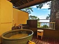 ●【ききょう】露天風呂付客室(イメージ・お部屋の確約は不可)/すぐそこに広がる青い海。自然に癒される