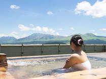 雄大な阿蘇の景色を眺めながらのお風呂は最高!