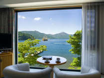 全客室からは芦ノ湖が望め、箱根の自然をお楽しみいただけます。