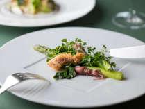 箱根ホテル自慢のフランス料理。3/1~5/8は春のメニューをご用意しております。