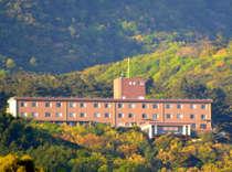 霧島国立公園内にあり手つかずの大自然に抱かれた風光明媚なホテル