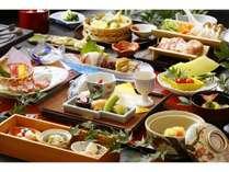 鹿児島県産黒毛和牛の桜島溶岩プレート焼き や きびなご天婦羅等地の食材にこだわった和食会席膳