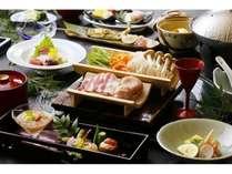 旬の食材、地の食材にこだわった料理長自慢の和食会席膳