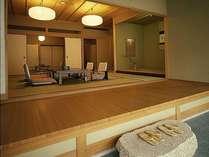 【源氏別館】17畳の本間に、8畳の副室と前室を備えたゆとりのある京風数寄屋造り。