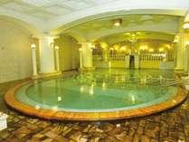 畳250畳分!!いちどに300人が入浴できるほど巨大なローマ風呂