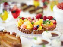 朝食のデザートもパティシエが一つ一つ手作りしております。