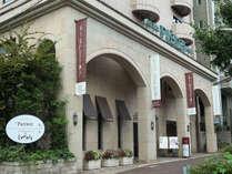 ようこそスイーツホテル、ホテルピエナ神戸へ。