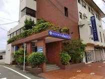 ホテル下にはお弁当屋さんほか飲食店が3件あります。