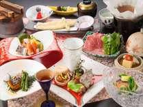 【スタンダード】東郷湖を望む絶好のロケーションで心身の開放を。夕食は鳥取の四季を堪能