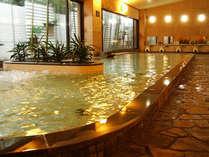 大浴場【豐壽の湯(ほうじゅのゆ)】壱の湯。無色透明な自家源泉のラドン温泉。疲労回復や美肌効果も♪