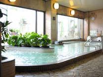 【全身浴】天然ラジウムを多く含む透明な【銀泉】が魅力♪敷地内から沸く自家源泉です♪