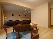 【スペシャル4ベット 洋室+畳】約46㎡ 6名様まで宿泊可能ですので、グループ旅にお勧めのお部屋です。