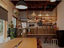 木のぬくもり感じるカフェ「Brucke ARIMA」