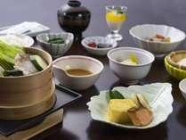 【朝食】せいろ蒸し、焼き魚、特製ざる豆腐など健康和朝食☆(一例)