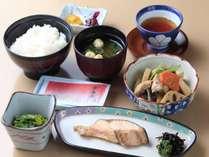 新潟のコシヒカリを炊いたご飯をお召し上がりください。