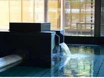 自家源泉から湧き出る柔らかな温泉