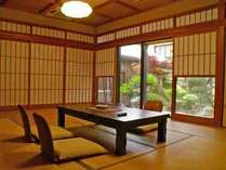 おまかせ和室(一例)。心地よい風が吹き抜ける快適な空間です。