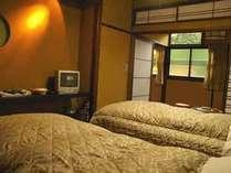 おまかせ和洋室の一例です。こちらは寝室部分。和室部分と仕切れるタイプのお部屋です♪