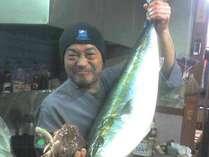 自ら仕入れて調理します!大きな魚もドンっとおまかせ!