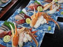 旬の魚と花が咲いた蟹を見た目をキレイなお刺身盛りに♪