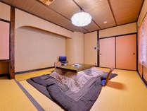 *和室(客室一例)/畳の香がほのかに薫るお部屋でのんびりとした大人の休日をどうぞ。
