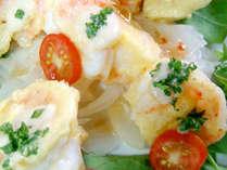 【旬のお料理(一例)】海老マヨ。新鮮だからこそ、プリっとした食感と甘さがたまりません!