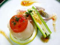 【お料理一例】素材は新鮮そのもの!色彩もあざやかで目と舌でお楽しみいただけます。
