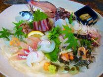 【お料理一例】造り盛り合わせ オコゼ・角アゴ・サザエ・ほうぼう・キジハタ・白いか