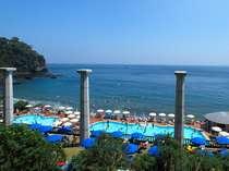 【アカオビーチリゾート】大小2つのプール&海水浴。レストランなどの設備も充実[2018年7/21~8/31]