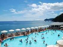 【アカオビーチリゾート】大小2つのプール&海水浴。レストランなどの設備も充実[2019年7/13~9/1]
