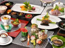 和洋織り交ぜたコース料理はディナーショーを見ながら贅沢に♪[料理重視コース]2018.4.1~