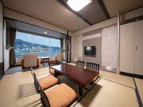 【和室】お部屋は全室オーシャンビュー 熱海の街並みや相模灘の絶景をお楽しみください。