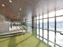 女湯からはベイエリアや函館山がご覧いただけます。
