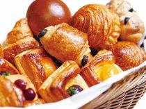 焼き立てベーカリー(ダイニング・カフェ「ベルテンポ」朝食ブッフェ イメージ)