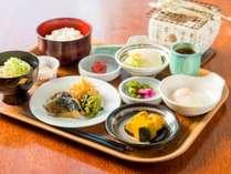 【朝食付】和洋食30種類以上のバイキング♪1日の始まりは銀ゆばの朝食で 無料駐車場完備