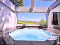 天空のSPA。車山の湧水「天狗水」の露天ジャクジーバスは爽快感たっぷり♪大自然の中で湯に浸かる贅沢…