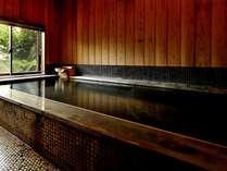 貸切風呂一例。予約受付は当日9時から。(通常:60分お一人様2000円)