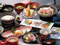「豚の陶板焼き」や嬉野名物「温泉湯どうふ」も並ぶ会席料理